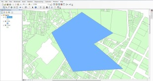 clip layer by polygon in ArcGIS